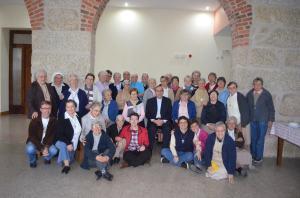 As Irmãs MC, juntamente com D. Ilídio, P. Victor , Missionario Comboniano, Carlos Barros LMC, participantes na Assembleia, Viseu, Portugal 2015